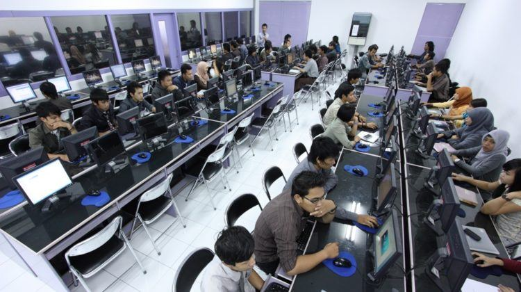 What Makes Singapore Companies Outsource to Indonesia?